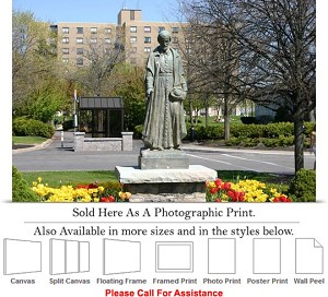 "Niagara University College at St. Vincent Statue Photo Print 24"" x 16"""