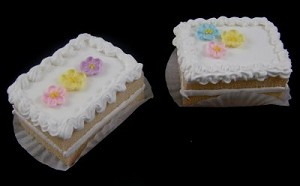 Fake Food Mini Cakes White (pack of 2)