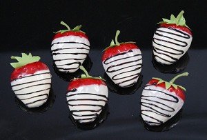 Fake Food White Chocolate Dip Strawberry - pack of 6