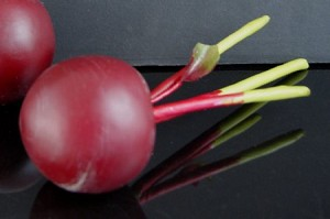 Fake Food Beet With Stem - One Piece