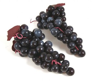 Fake Food Grapes Purple (pack of 2 Bunches)