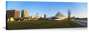 Milwaukee, Wisconsin Art Museum Skyline Panorama Picture
