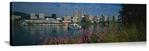 Portland, Oregon Day on the River Panorama Picture