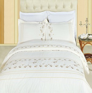 Tasneen Embroidered Full/Queen Egyptian Cotton 3 Piece Duvet Cover Set