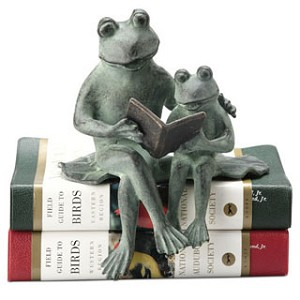 Parent And Kid Reading Frog Shelf Sitter