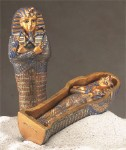 King Tut Coffin W/King Tut