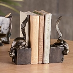 Nosy Squirrel Bookends