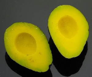 Fake Food Avocado Halves (pack of 2)