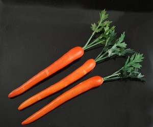 Fake Food Carrots With Stem (pack of 3)
