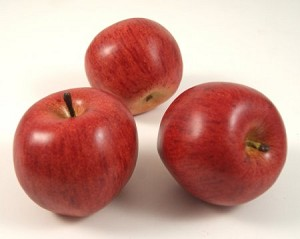 Fake Food Rome Red Apples (pack of 3)