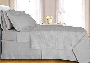 White Checkered Egyptian Cotton 400 Thread Count Coverlet Set