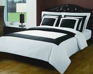 3 Piece Twin White And Black 300 Thread Count Egyptian Cotton Duvet Cover Set