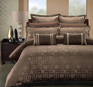 Janet King/California King 7 Piece Hotel Collection Duvet Cover Set